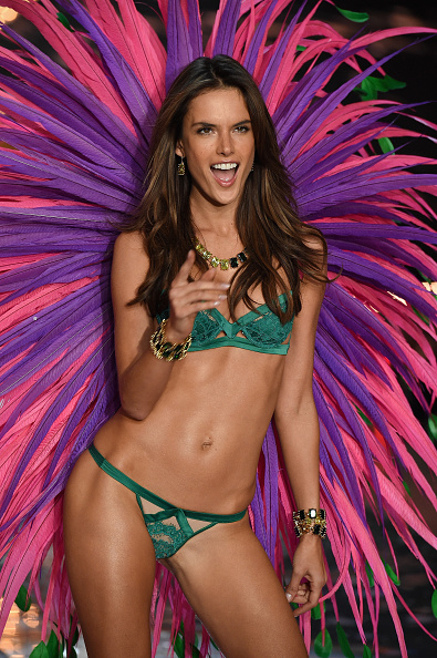 Victoria's Secret「2015 Victoria's Secret Fashion Show - Show」:写真・画像(17)[壁紙.com]