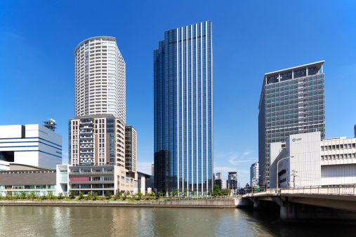 Japan「Office buildings, Hotarumachi and Dojima  river, Osaka Prefecture, Honshu, Japan」:スマホ壁紙(1)