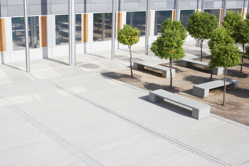Office Building Exterior「Office building courtyard」:スマホ壁紙(11)