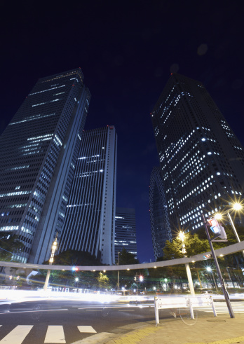 Turning On Or Off「Office buildings at night」:スマホ壁紙(16)