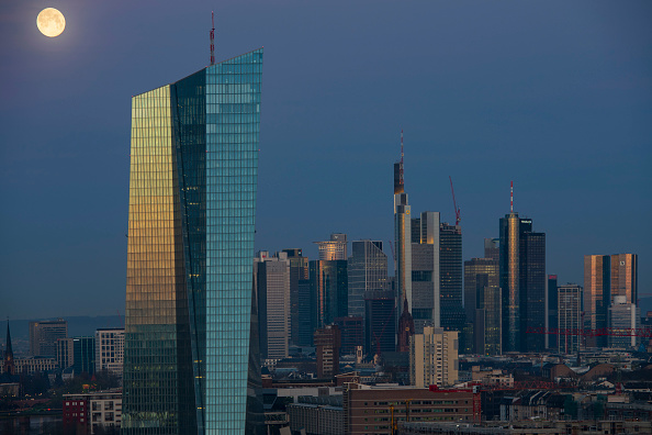 European Central Bank「Frankfurt Financial District」:写真・画像(16)[壁紙.com]