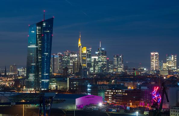 月「Frankfurt Financial District」:写真・画像(10)[壁紙.com]