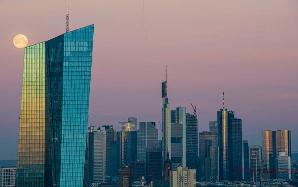 月「Frankfurt Financial District」:写真・画像(6)[壁紙.com]