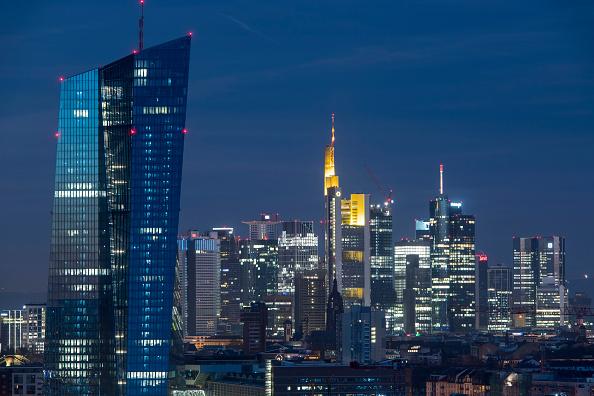 月「Frankfurt Financial District」:写真・画像(11)[壁紙.com]