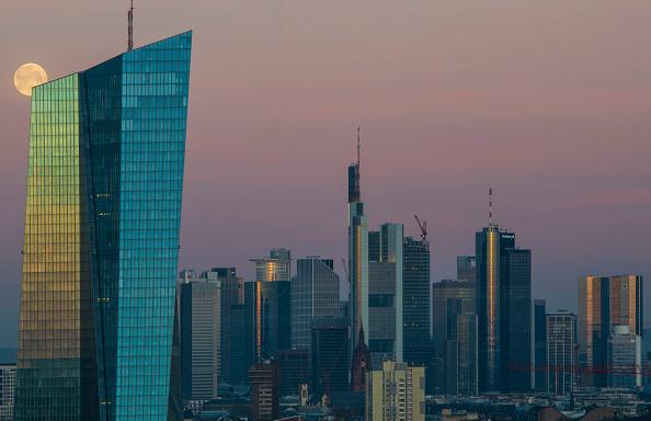 月「Frankfurt Financial District」:写真・画像(8)[壁紙.com]