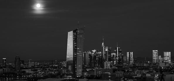 全景「Frankfurt Financial District」:写真・画像(5)[壁紙.com]