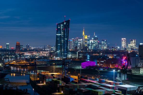 月「Frankfurt Financial District」:写真・画像(12)[壁紙.com]