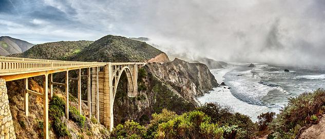 Bixby Creek Bridge「Bixby Bridge on Highway One on Big Sur coastline,California,USA」:スマホ壁紙(2)