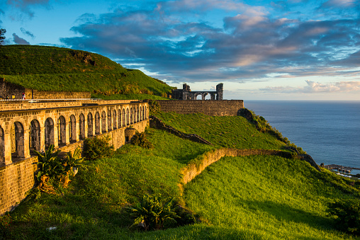 UNESCO「Brimstone hill fortress by sea against sky, St. Kitts and Nevis, Caribbean」:スマホ壁紙(7)