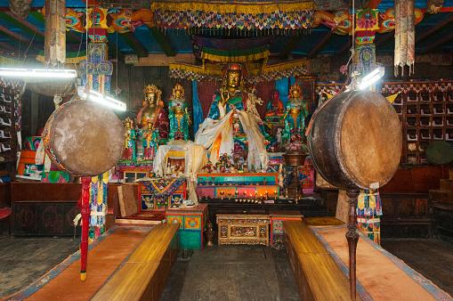 Khumbu「Buddhist temple image of Padmasambhava」:スマホ壁紙(4)