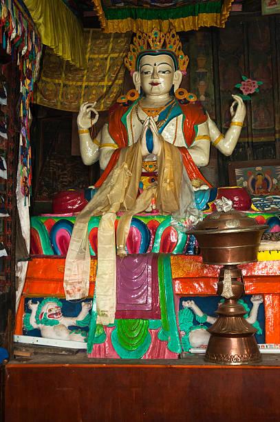 Buddhist temple image:スマホ壁紙(壁紙.com)