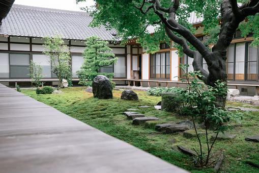 Temple「Buddhist temple garden view」:スマホ壁紙(3)