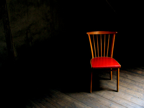 Town Square「Wood chair with red seat in dark room with wood floor」:スマホ壁紙(18)