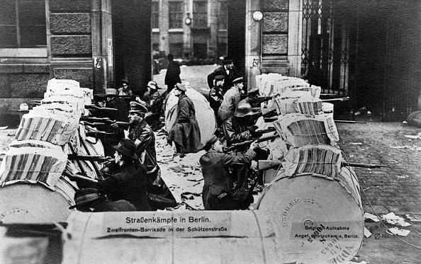 Rebellion「Street battles in Berlin」:写真・画像(11)[壁紙.com]