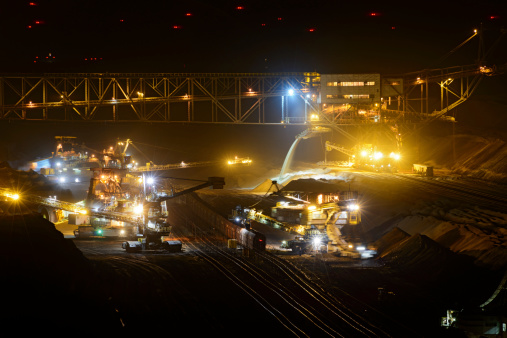 Lignite「Bucket chain excavators - Lignite mining at night」:スマホ壁紙(7)