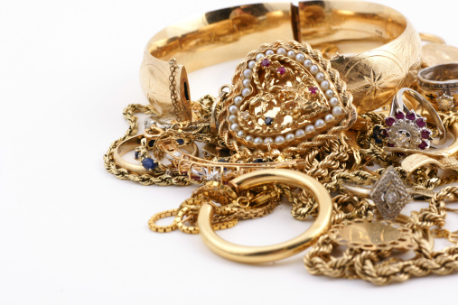 Gold「A messed up pile of gold jewelry」:スマホ壁紙(1)
