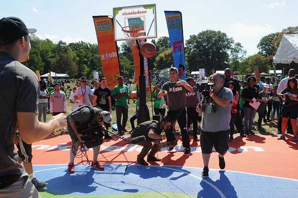 Large Group Of People「Nickelodeon's 13th Annual Worldwide Day Of Play」:写真・画像(15)[壁紙.com]