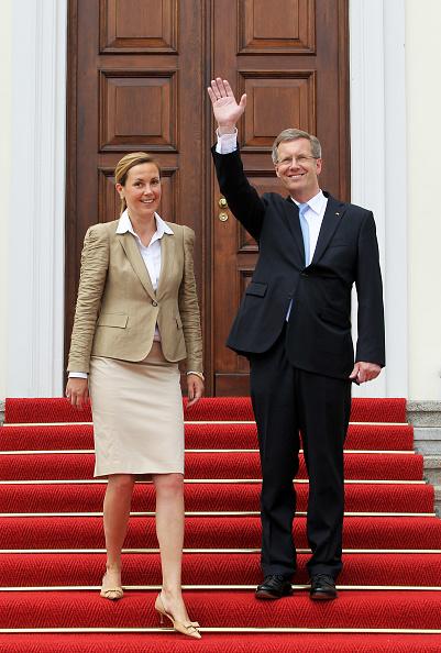 Schloss Bellevue「Wulff Officially Welcomed At Schloss Bellevue」:写真・画像(7)[壁紙.com]