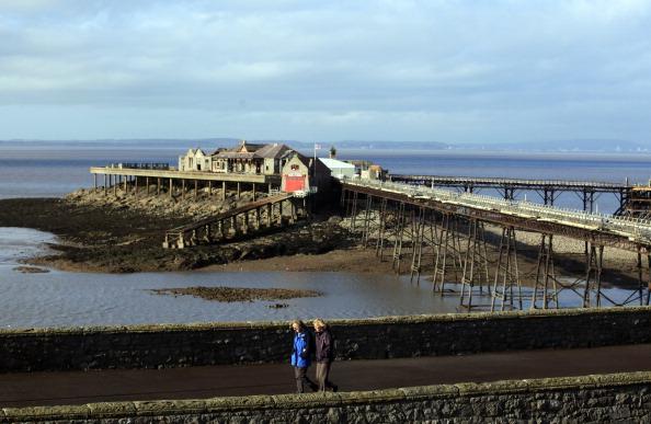 View Into Land「Neglected Birnbeck Pier Under Threat After The Economic Crisis」:写真・画像(0)[壁紙.com]