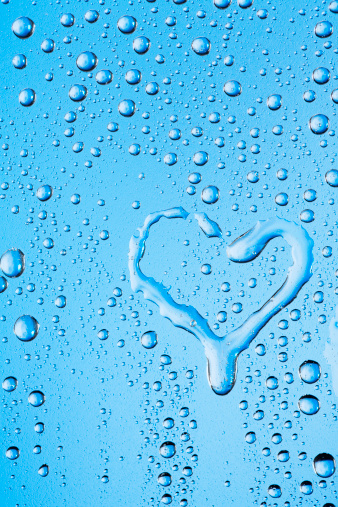 Frosted Glass「Water drops texture with heart shape」:スマホ壁紙(13)