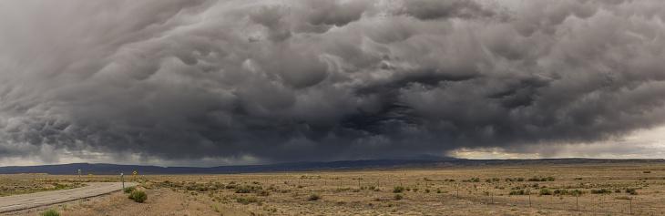 Rain「Utah road and incoming storm, panorama」:スマホ壁紙(2)