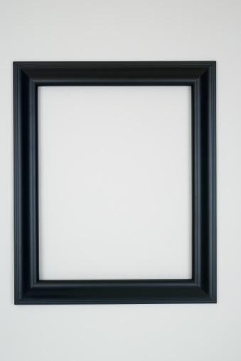 Black Border「Black Picture Frame, White Background」:スマホ壁紙(5)