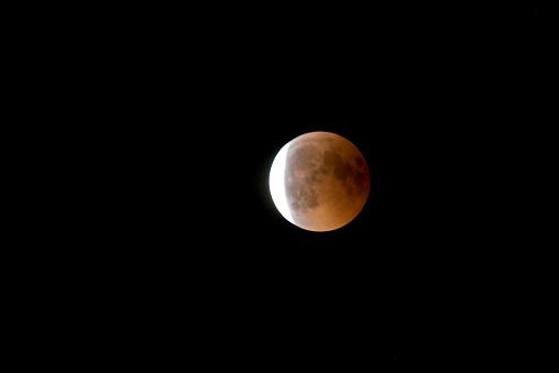 皆既月食「Germany, Rosenheim, lunar eclipse」:スマホ壁紙(14)