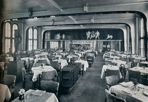 Dining Room「First Class Dining Saloon on board Victoria」:写真・画像(11)[壁紙.com]