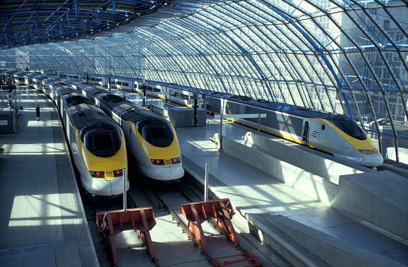 Waterloo Railway Station - London「Three Eurostar trains at London's Waterloo International Station. 1996」:写真・画像(15)[壁紙.com]