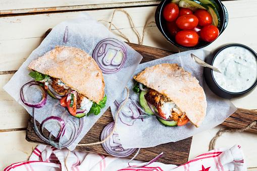 Tzatziki「Chicken gyros, chicken, salad, tomato, cucumber, onion, tzatziki, homemade glutenfree pita bread」:スマホ壁紙(8)