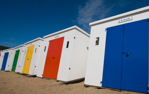 Changing Cubicle「Woolacombe beach huts」:スマホ壁紙(19)