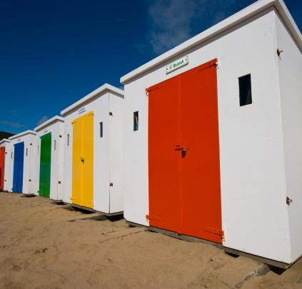 Changing Cubicle「Woolacombe beach huts」:スマホ壁紙(18)