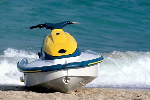 Miami Beach「Jet Boat Parked on the beach in South Beach, Miami」:スマホ壁紙(5)