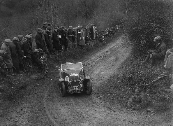 Country Road「MG PB of EH Goodenough competing in the MCC Lands End Trial, 1935」:写真・画像(5)[壁紙.com]