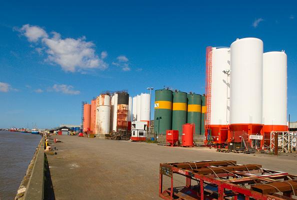 Industry「Gas storage yard, Great Yarmouth, United Kingdom」:写真・画像(3)[壁紙.com]