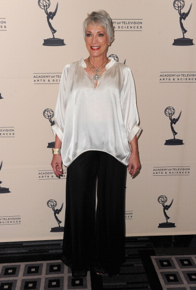 Side Swept Bangs「The Academy Of Television Arts & Sciences' Performers Peer Group Celebrate The 63rd Primetime Emmy Awards」:写真・画像(12)[壁紙.com]