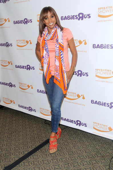 """Baby Shower「Holly Robinson Peete And Babies""""R""""Us Host An Operation Shower Event」:写真・画像(19)[壁紙.com]"""
