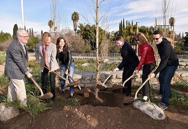 The 22nd Annual Screen Actors Guild Awards - SAG Awards And American Forests Tree Planting At The L.A. River:ニュース(壁紙.com)