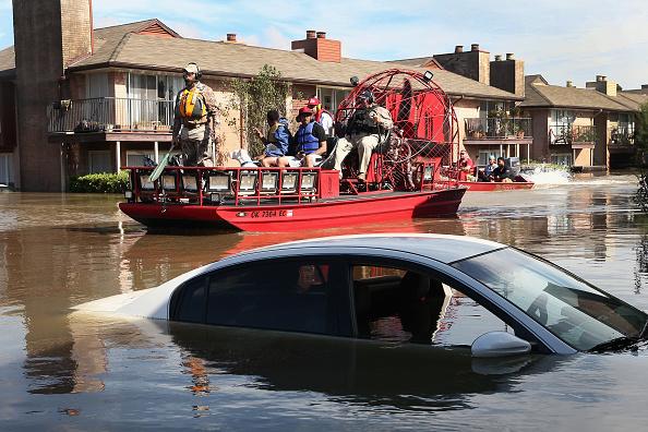 Apartment「Epic Flooding Inundates Houston After Hurricane Harvey」:写真・画像(2)[壁紙.com]