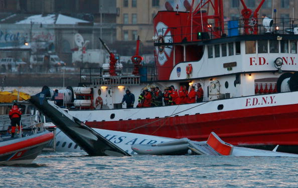 Passenger「US Airways Passenger Jet Crashes Into Hudson River By NYC」:写真・画像(19)[壁紙.com]