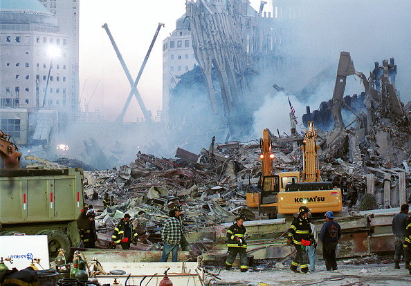Destruction「Ground Zero Two Days After World Trade Terror Attack」:写真・画像(5)[壁紙.com]