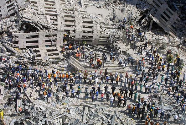 Emergency Services Occupation「September 11 Retrospective」:写真・画像(4)[壁紙.com]