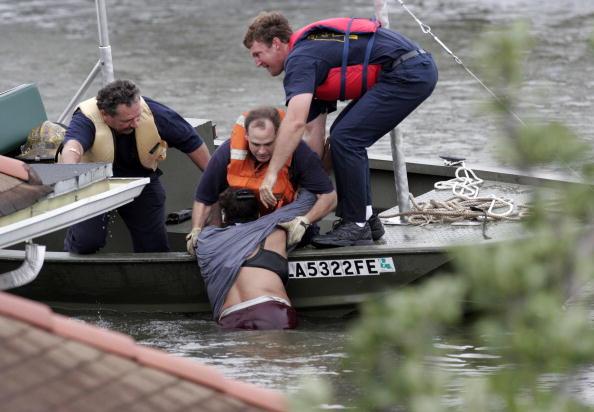 Pensacola「Hurricane Katrina Hits The Gulf Coast」:写真・画像(11)[壁紙.com]