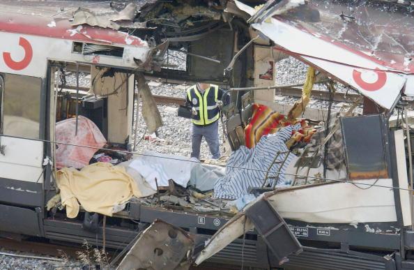 2004 Madrid Train Bombings「Madrid Train Blasts Cause Devastation」:写真・画像(17)[壁紙.com]