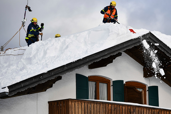 Krün「Austria And Southern Germany Inundated With More Snow」:写真・画像(7)[壁紙.com]