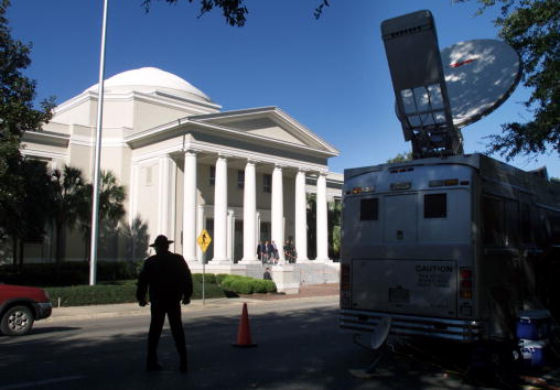 Florida - US State「Gore Attorneys Address Media In Tallahasse」:写真・画像(12)[壁紙.com]