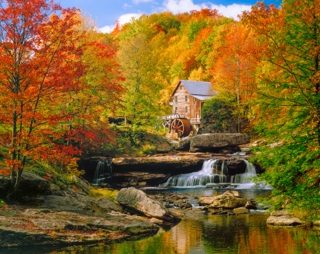 Waterfall「Glade Creek Grist Mill nostalgia blazing autumn colors West Virginia」:スマホ壁紙(13)