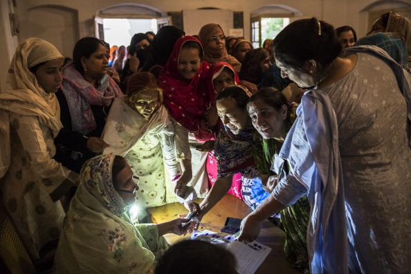 Pakistan「Pakistanis Vote In General Election」:写真・画像(2)[壁紙.com]