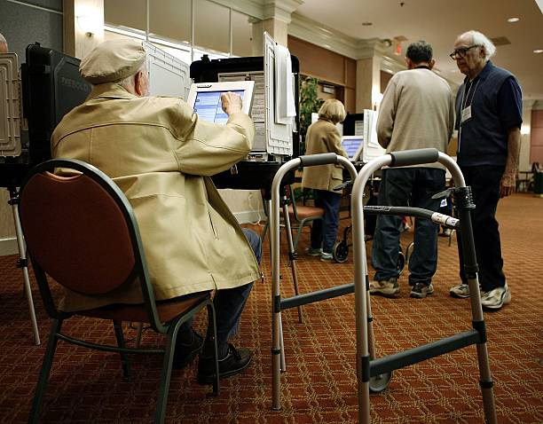 Voters Go To The Polls In Highly-Contested Midterm Elections:ニュース(壁紙.com)
