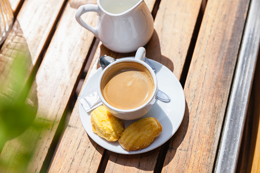 Amsterdam「Cup of coffee with cookies on table outdoors」:スマホ壁紙(7)